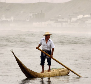 caballitos de totora Standing up to fish and for transport