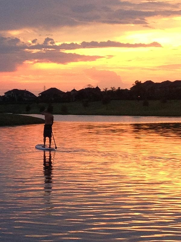 beutiful dusk stand up paddle