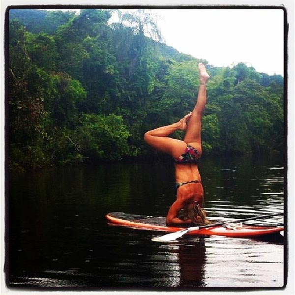 jungle sup yoga headstand