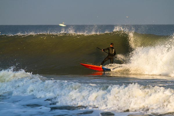 Todd Piper setting up for the barrel