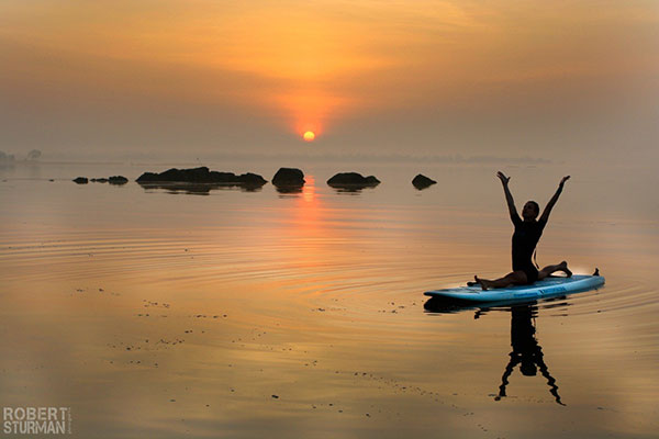 4 mind body green sup yoga