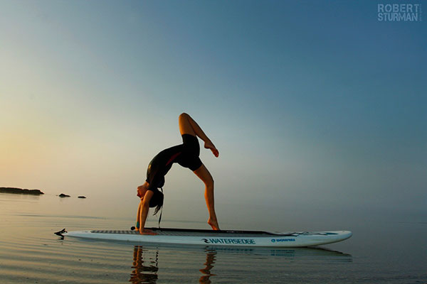 6 mind body green sup yoga