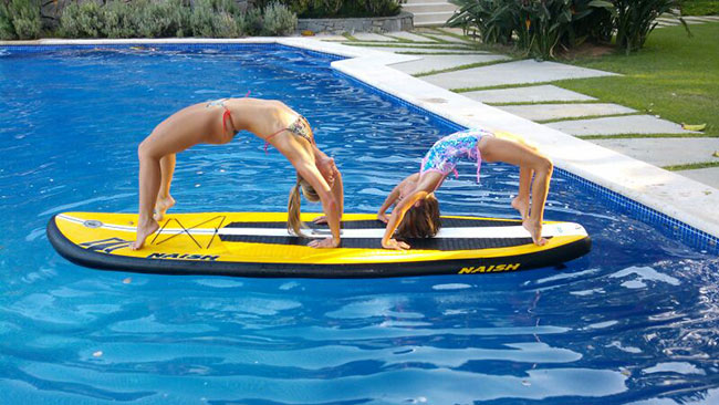 Beatriz Martins: Mother daughter sup yoga time