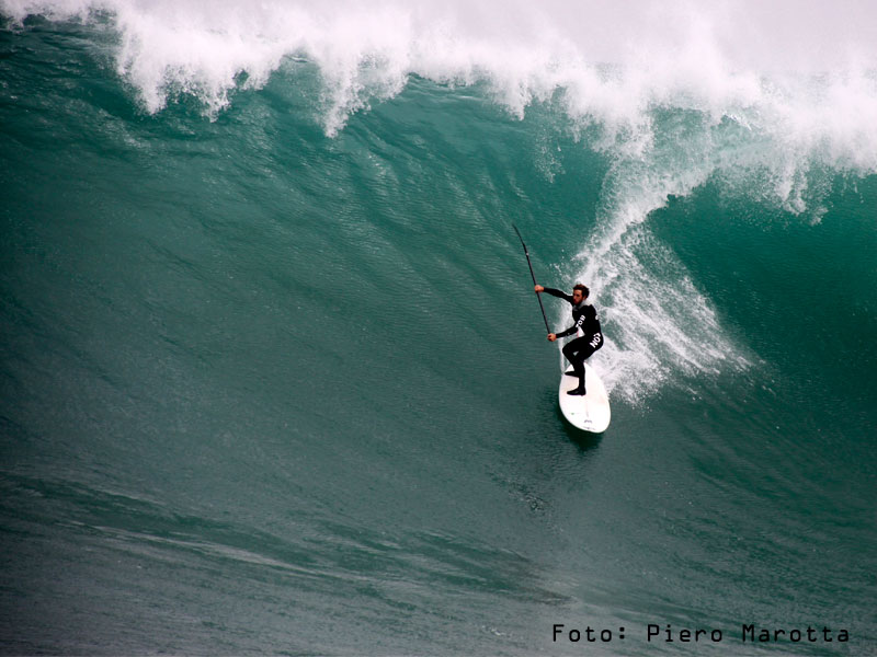 Location: Pico Alto - Perú Photografer: Piero Marotta SUP Surfer: Tamil Martino
