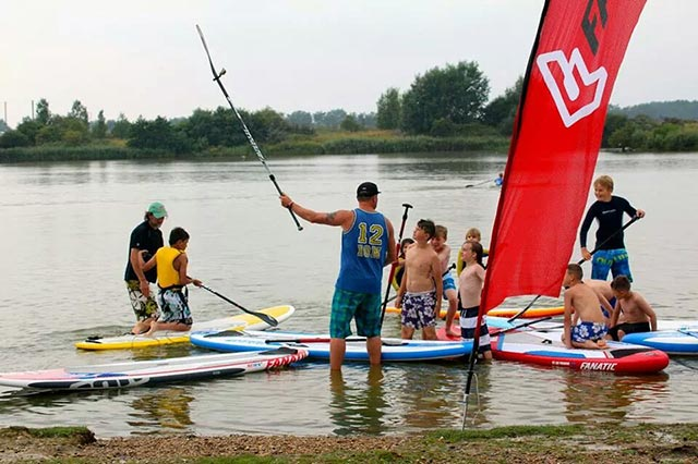Jay Manning: Teaching grommets on sup Lesson. How to selfie the jsup way via gopro style #supcoaching #fanaticUK