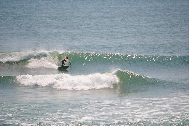 shyloah Osteyee: Hurricane Bertha gave Cape Hatteras very large but imperfect waves on August 5th, a handful of Supr's made it out for a few crazy rides. Here's one of them, Ian Osteyee, enjoying the near perfect waves of August 6th.