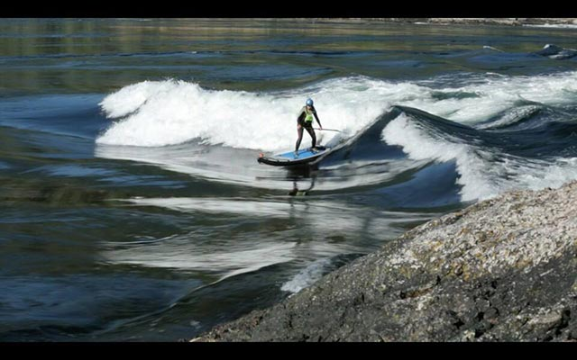 Nadia Almuti: Nadia Almuti surfing in the Skookumchuck Narrows. Photo by Heather Jackson