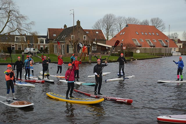 Frank Hettinga: Jan. 1st at 11am, cold, freezing, but loving every second. Every year that the water isn't frozen we meet our sup-friends on the first day of a New Year... That means true friendship!