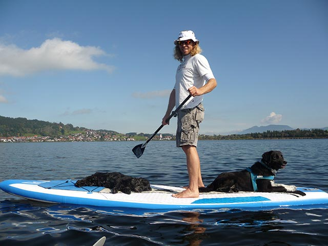 Jurgen Schweitzer: Relaxing Sup Session with my two dogs Finley & Lenny in Hopfensee Germany! ;-)