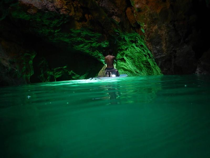 Loch Ruiz: Loch from Guatemala exploring the Algarve caves on his Sup in Portugal