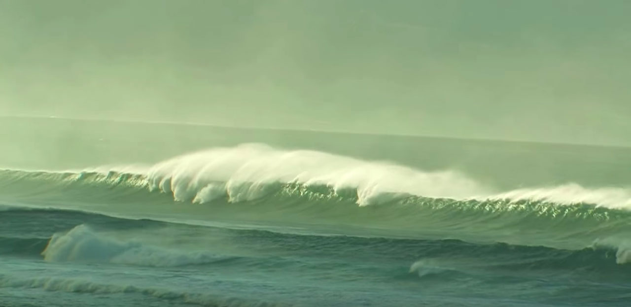 strong offshore winds pose a danger to standup paddlers