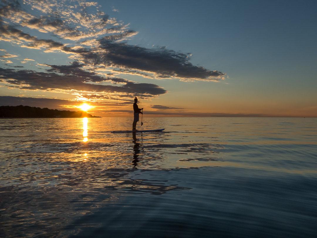 John Meisner Lake Ontario dawn standup paddler