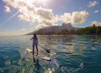 standup paddling mountainside