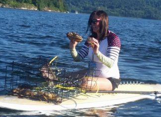 Crabbing from a Paiwen SUP