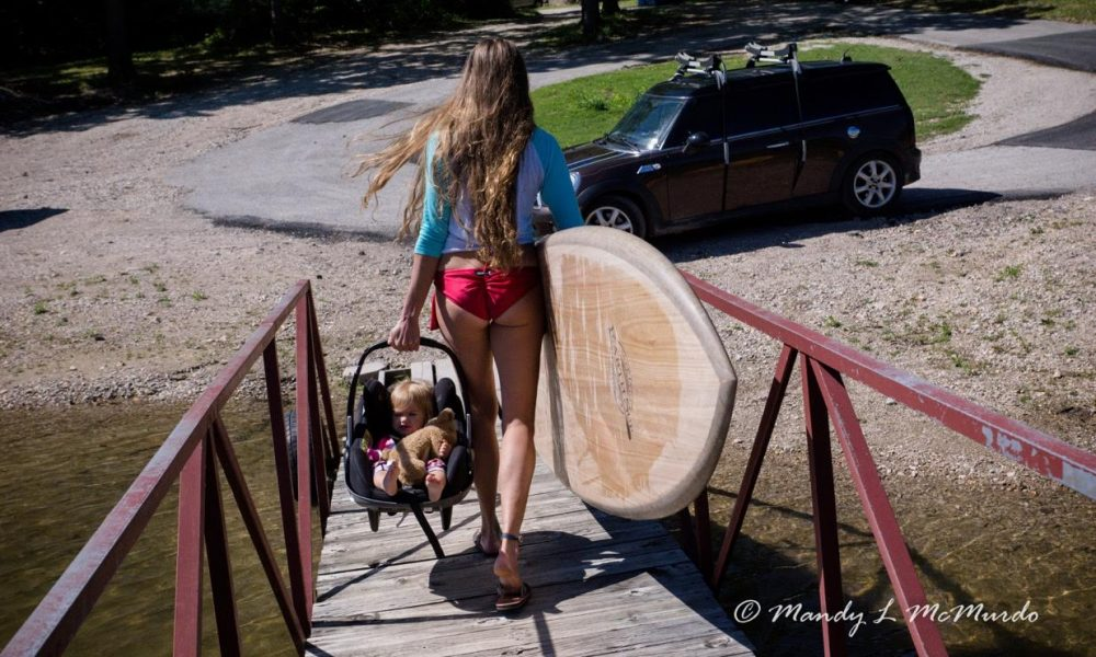 stand up paddling with your baby 1